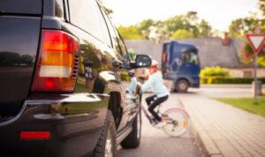 מכונית ואופניים